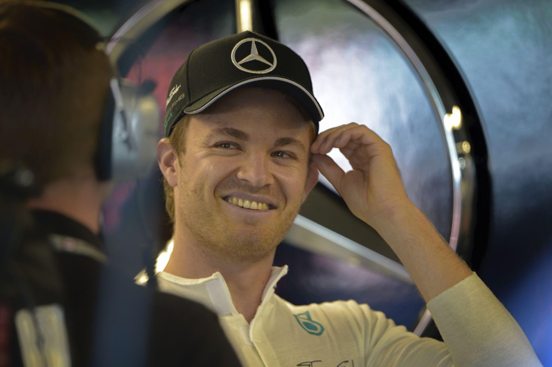 Kiesett Hamilton, Rosberg második lett, de a német még így is csalódott