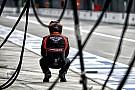 A Manor F1 Team nagyon kezdetleges: Még a ruházatuk is marussiás