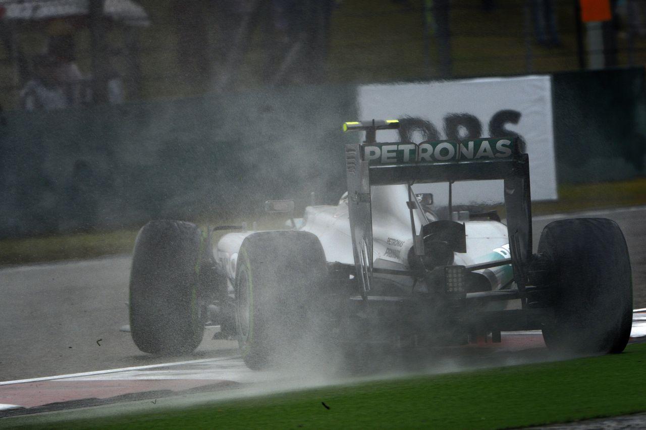 Megafon vagy bonyolult megoldás a kipufogóban: a Mercedes is dolgozik az F1-es hangon