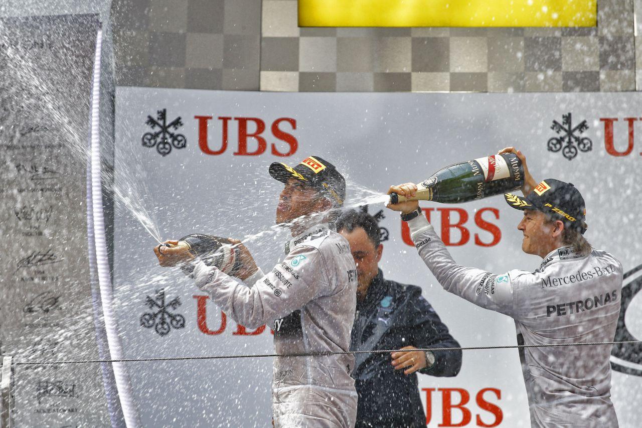 Hamilton néha törékeny tud lenni: Rosberg ne essen pánikba, inkább nyomozzon