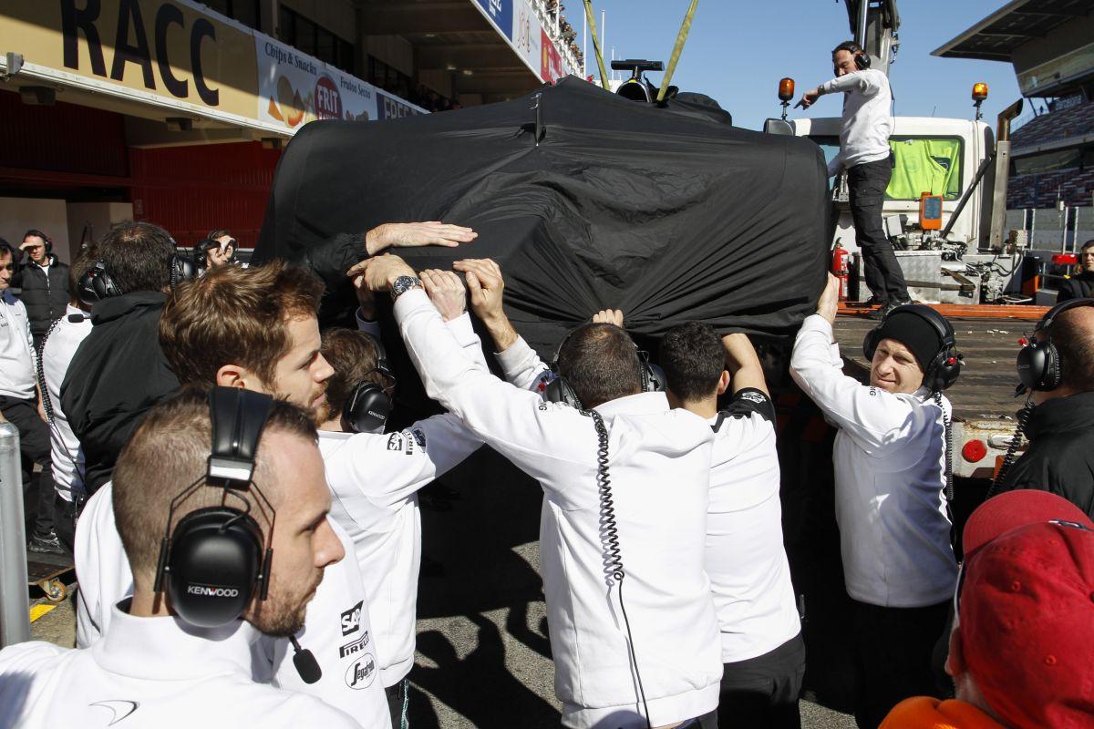 Több tényező vezetett az Alonso körüli tébolyhoz: a McLaren nem bújik az FIA mögé