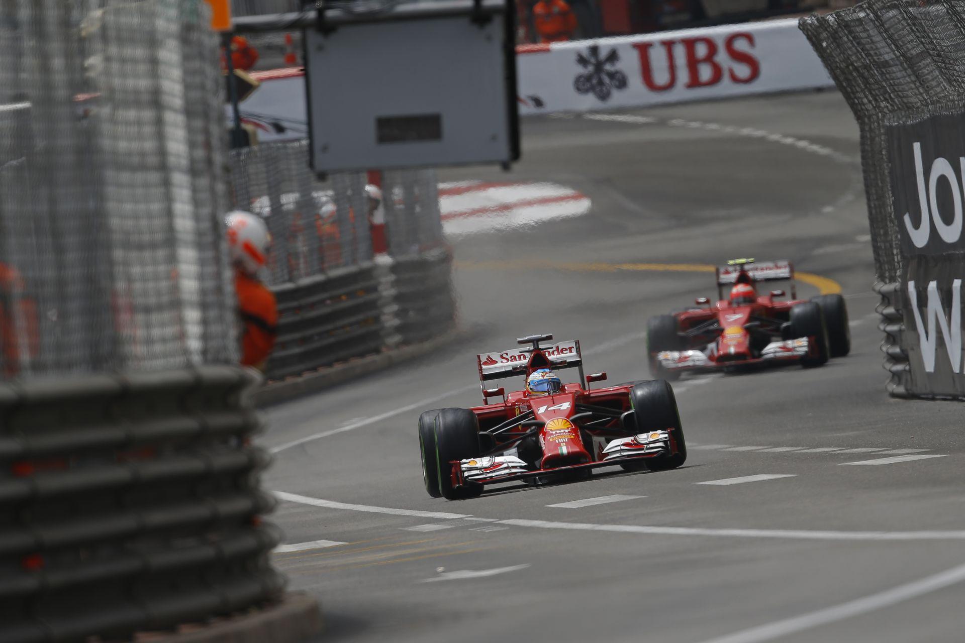 Ferrari: Alonso diktálja a tempót, de Raikkönen közeledik