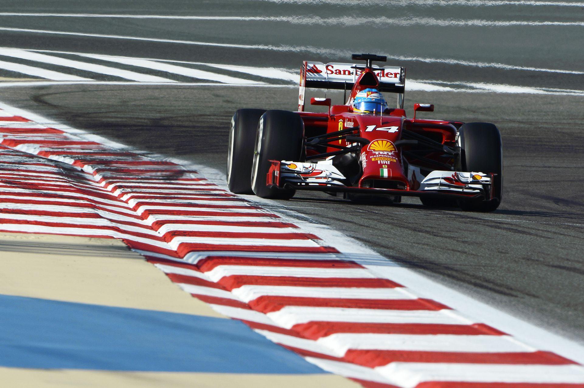 Bahreini Nagydíj 2014: Alonso nyomja neki a Ferrarival