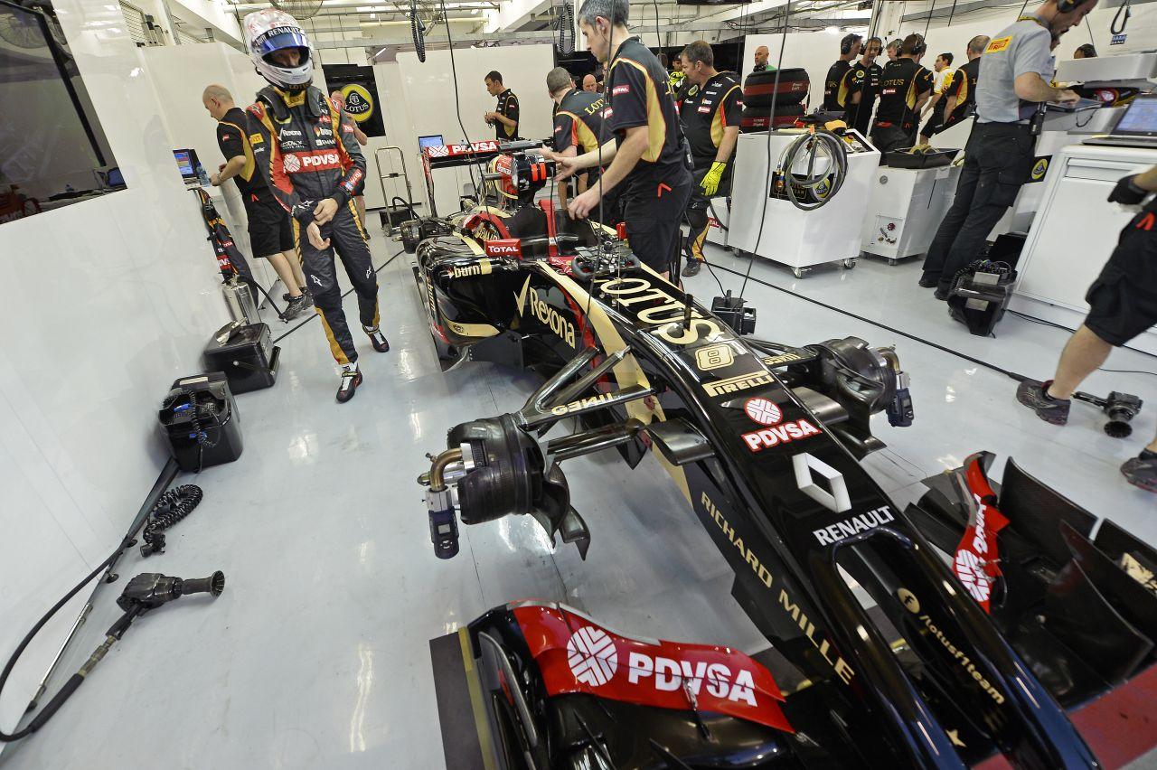 Egy helyben toporog a Lotus: elfogadhatatlan volt a második tesztnap