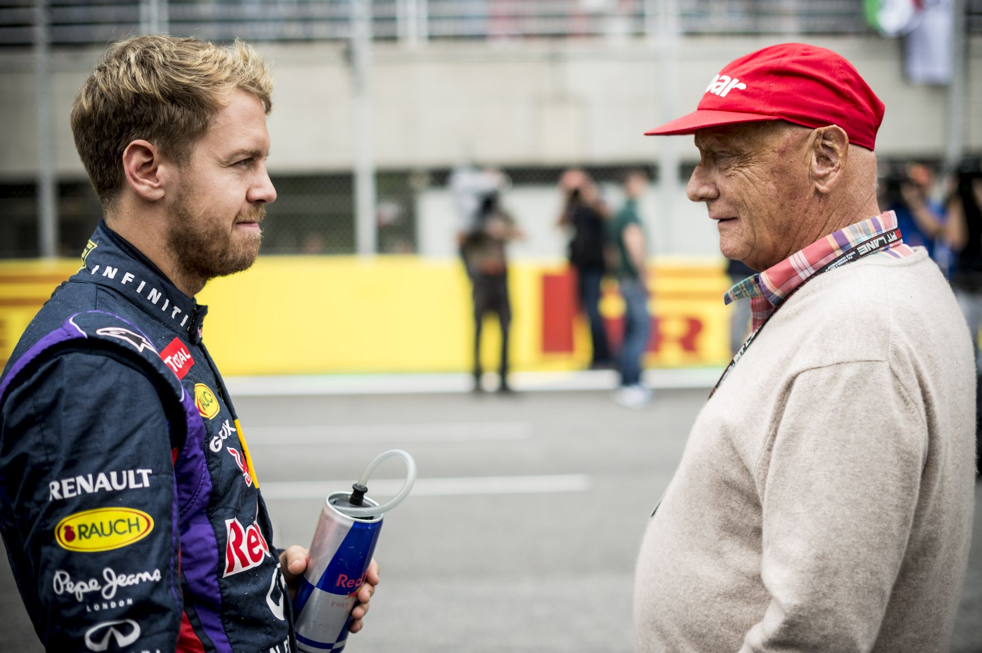 Lauda: Vettel elfelejtette, hogy hogyan kell vezetni egy gyengébb autót