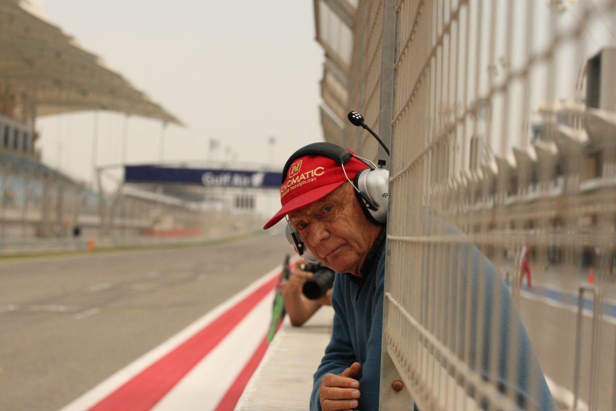 Lauda hiába megy át minden nap a Red Bullhoz: Vettel és Newey 2017-ig marad a helyén