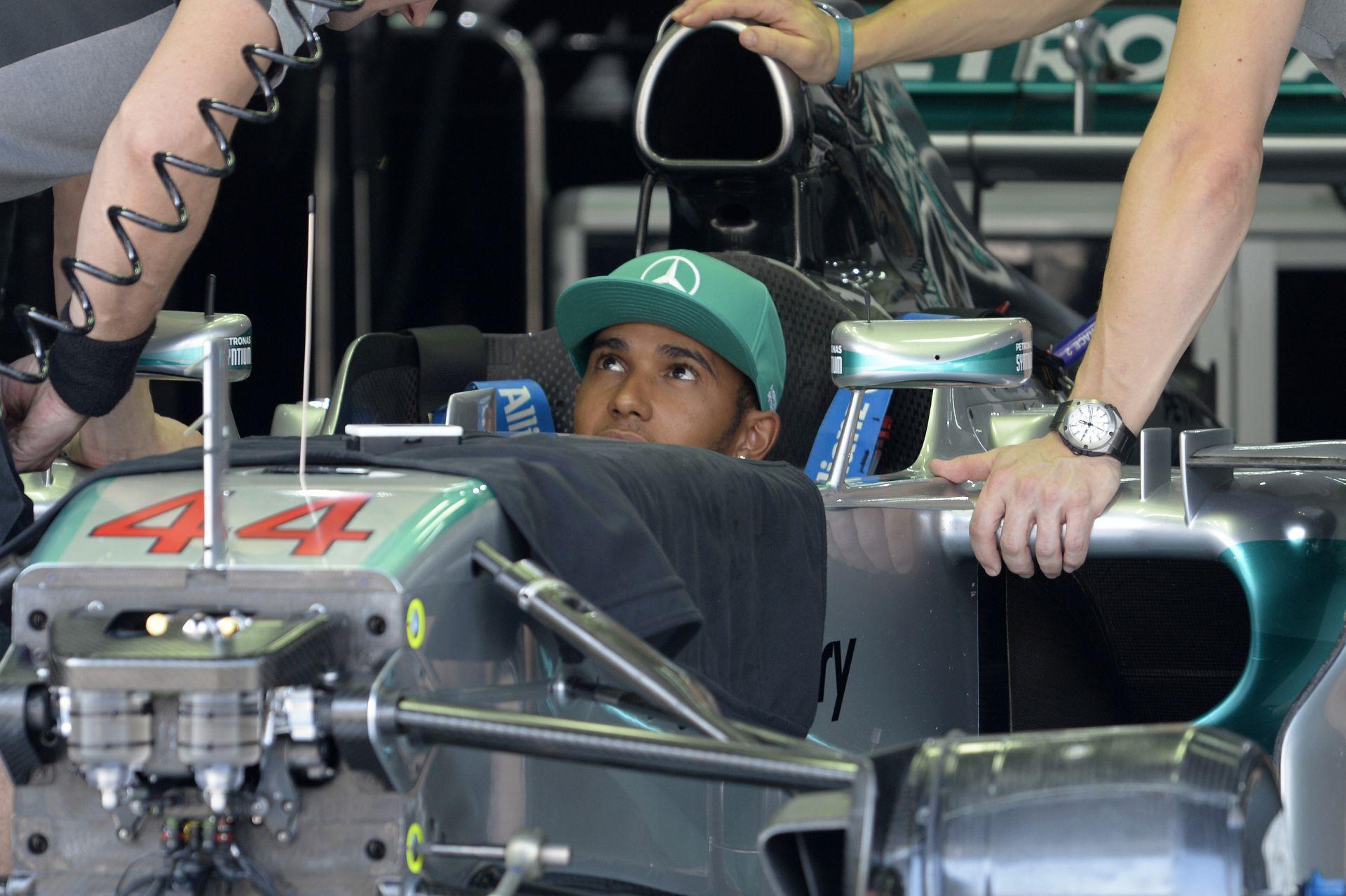 Hamilton-Raikkönen-Rosberg trió az első edzésen Malajziában, a Lotus haldoklik