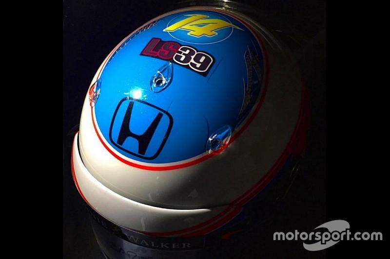 Alonso homenajea a Luis Salom en su casco para Canadá