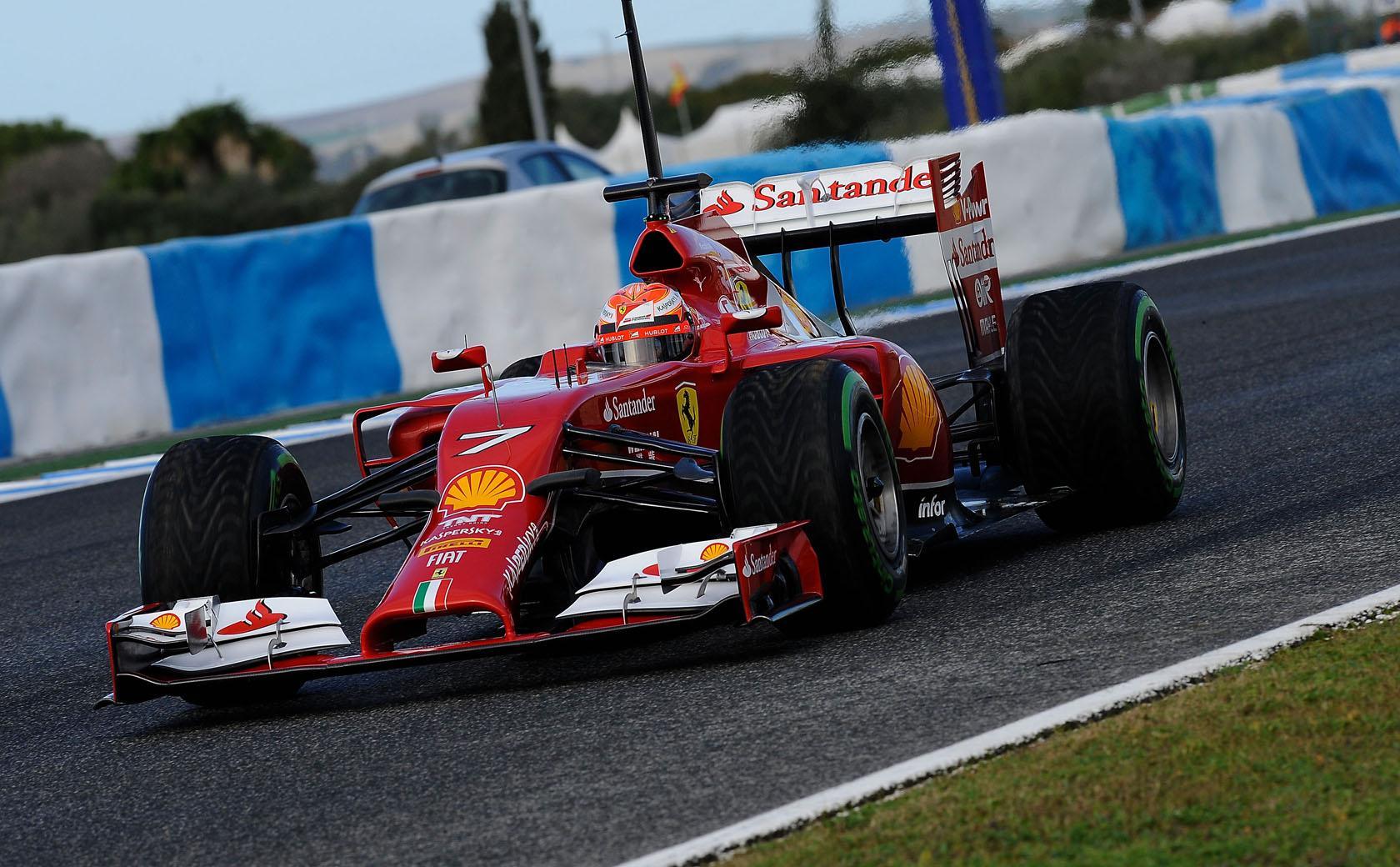 Grosjean már előre dörzsöli a tenyerét Alonso és Raikkönen csatája miatt