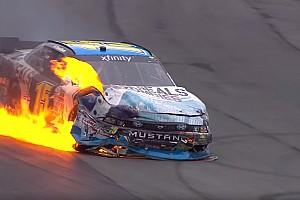 NASCAR BRÉKING Lángoló autó a NASCAR-ban: mintha egy hollywoodi film lenne
