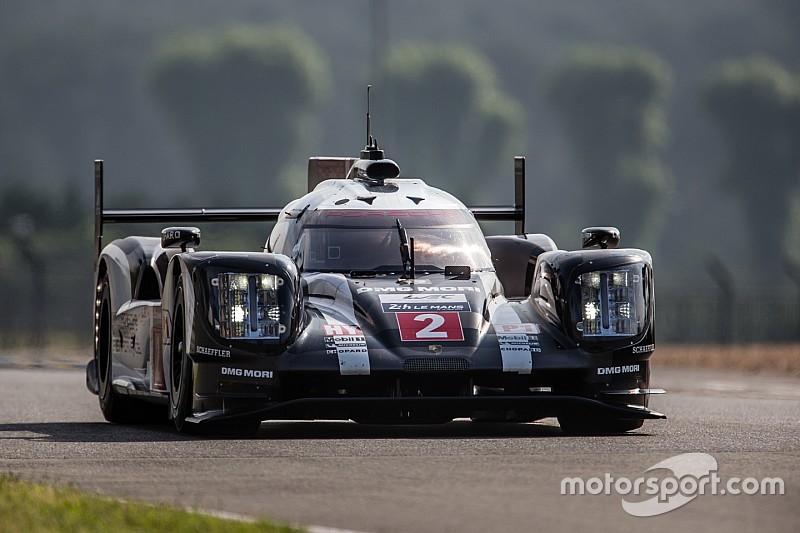 Freies Training in Le Mans: Porsche mit beiden Autos vorn