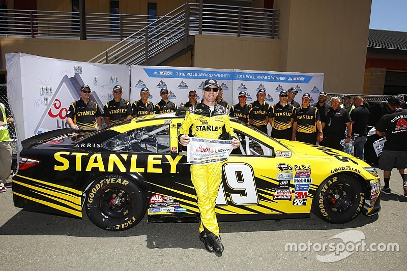 Carl Edwards conquista la pole a Sonoma