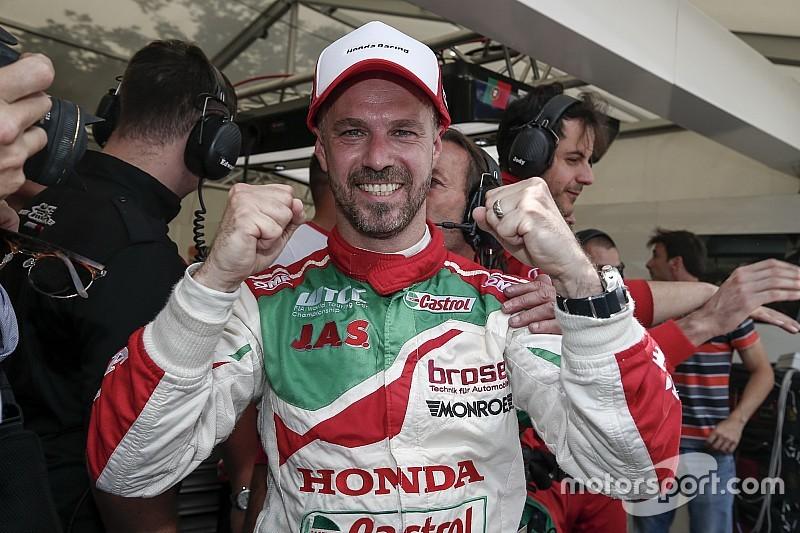 Monteiro celebró ante su gente en Portugal