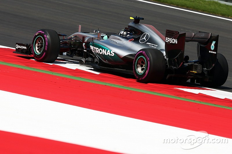 Red Bull Ring, Libere 2: Rosberg prima del diluvio. Vettel fuori pista!