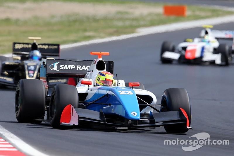 Matthieu Vaxiviere centra la pole position a Silverstone per Gara 1