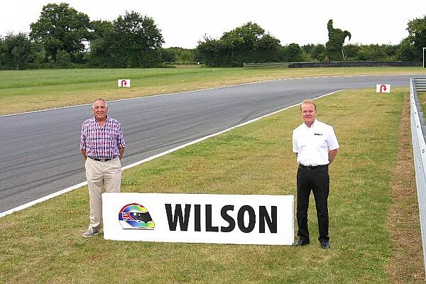 Snetterton noemt bocht naar Justin Wilson