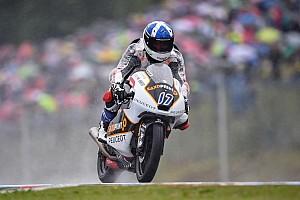 Moto3 Rennbericht John McPhee schwimmt zum Brno-Moto3-Sieg