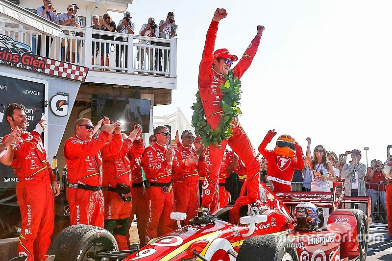 Scott Dixon domina a Watkins Glen, Power finisce a muro