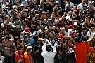 Alonso rajongós szelfit készített Spanyolországban - voltak egy páran!