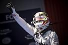 Képeken Hamilton öröme 52. pole pozíciója megszerzését követően!