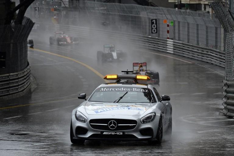 Egy kis eső és máris biztonsági autós start a Forma-1-ben: szánalom?