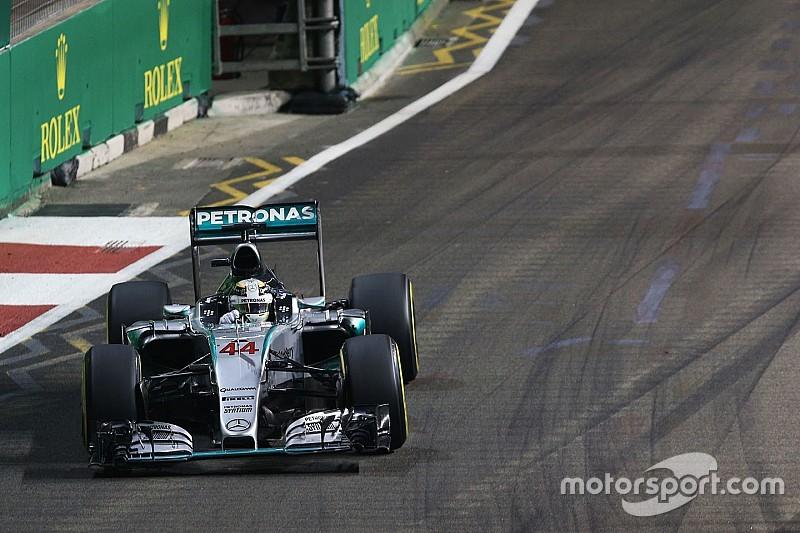 """В Mercedes """"с интересом"""" ждут Гран При Сингапура"""