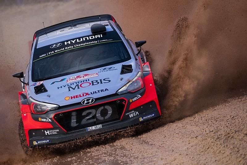 WRC Italia: Neuville tetap unggul di depan Latvala, Paddon tersingkir