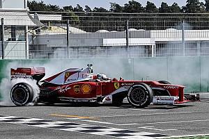 Ferrari Важливі новини Феттель завітав на «Гоночні дні» Ferrari в Хоккенхаймі