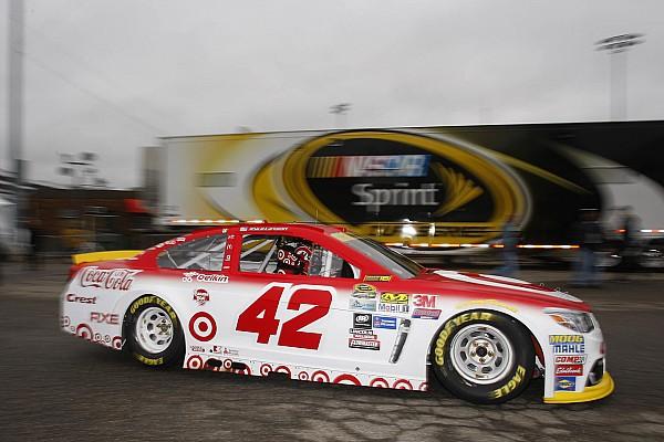 Larson lideró la primera práctica en Dover