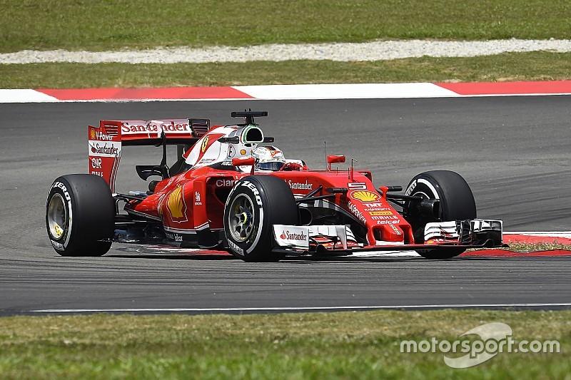 """Vettel: """"We zouden sneller dan Red Bull moeten zijn"""""""