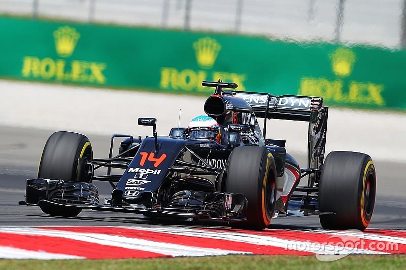 McLaren no duda que Alonso va a salir al ataque