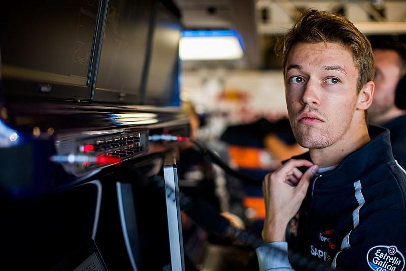 Вильнева удивило решение Toro Rosso оставить Квята
