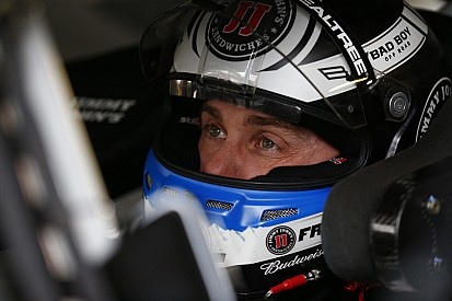 VIDEO: Altercado entre Harvick y Kurt Busch
