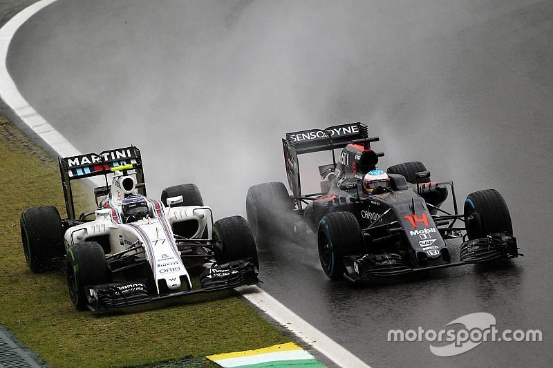 """Alonso asegura que parar el GP de Brasil fue """"una decisión lógica"""""""