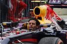Ma 3 éve, hogy Webber elköszönt a Forma-1-től: bukósisak nélkül hajtott be!