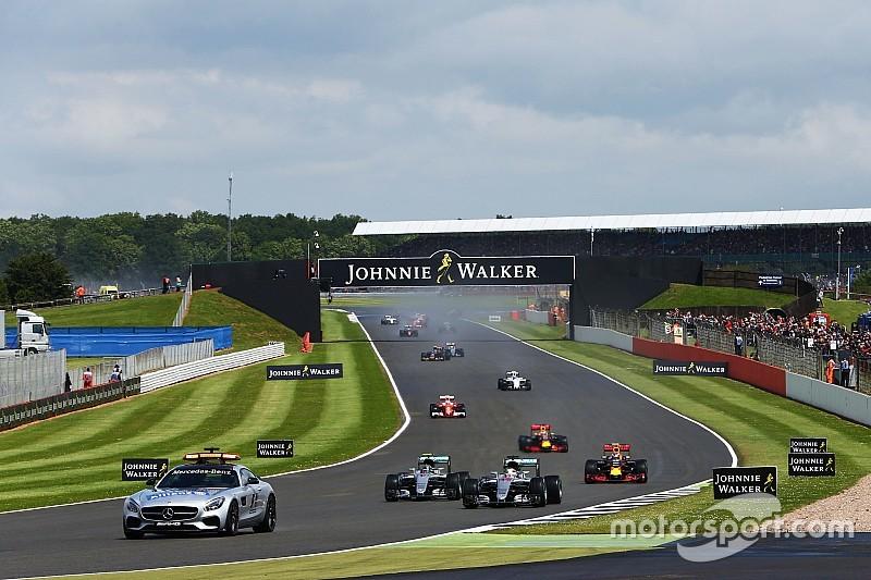 فرق الفورمولا واحد توافق على خطّة الانطلاقات الثابتة بعد سيارة الأمان