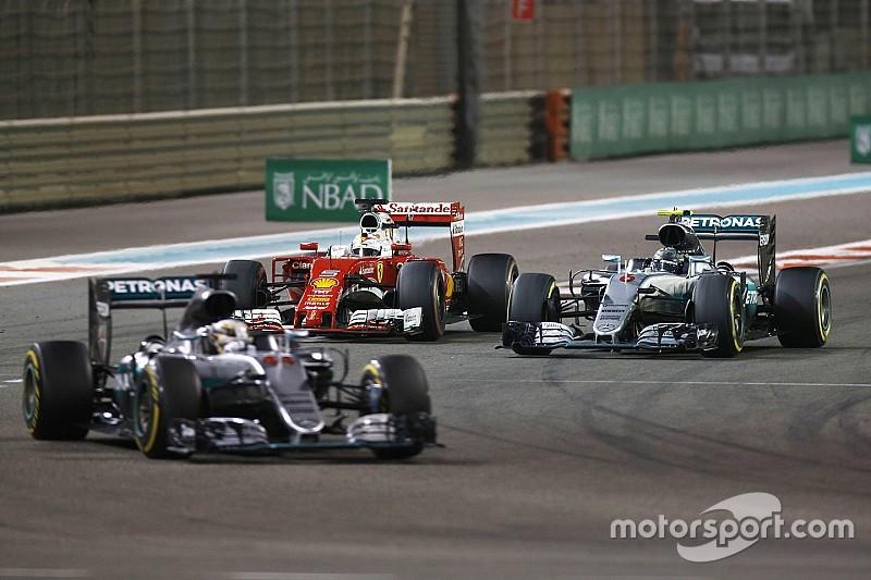 """Mercedes: """"Ongehoorzaamheid Hamilton vraagt mogelijk om nieuwe race-aanpak"""""""