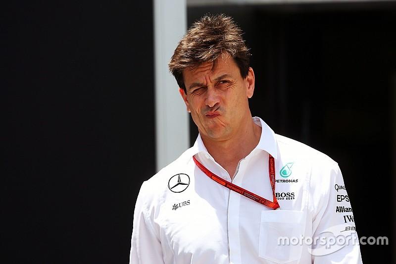 Вольф назвал ошибкой приказы Mercedes в Абу-Даби