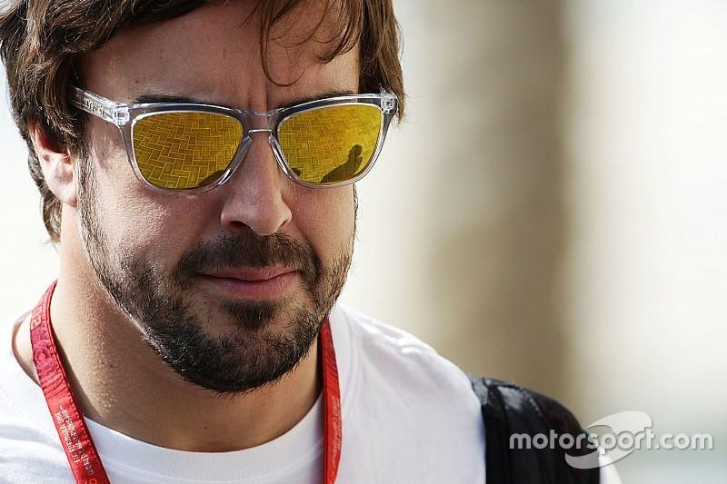Alonso reafirma compromisso com McLaren para 2017
