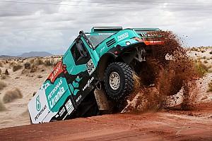 Dakar Nieuws De Rooy kneust rib in tiende etappe: