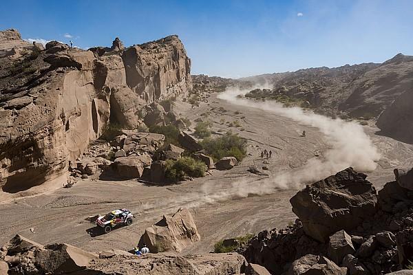 Reli Dakar Stage 11: Duel ketat Loeb dan Peterhansel