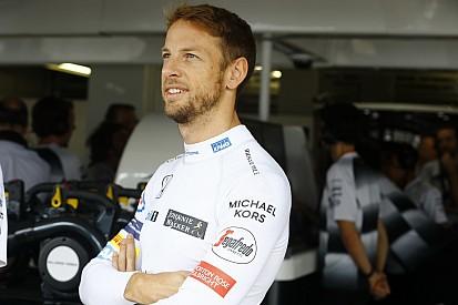 Button faz teste com carro de rallycross da Honda