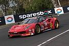 Endurance 12 uur Bathurst: Vilander pakt pole met Ferrari, Vanthoor zevende