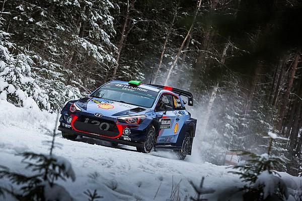 Paddon pakt draad weer op in Zweden na fataal WRC-ongeval