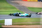 VÍDEO: Piloto da Fórmula 4 inglesa sofre grave acidente