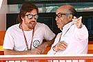 Босс MotoGP: При Экклстоуне Алонсо ни за что не поехал бы на Indy 500