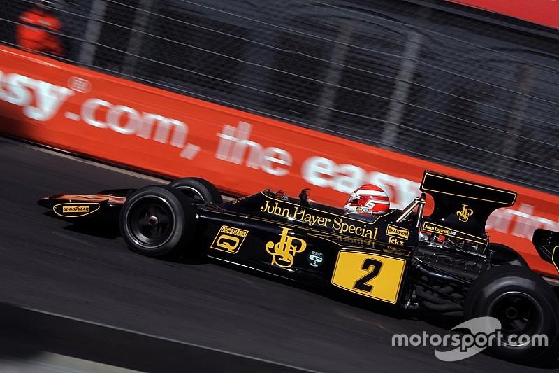 Cencetti sulla Lotus 72 di Jackie Ickx nel Master Historic F.1 ad Austin