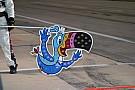 Формула 1 Квят нарисовал на шлеме тукана