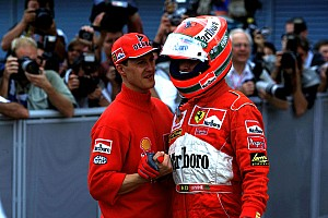 Цей день в історії: 15 років тому Ірвайн оголосив про вихід з Ф1
