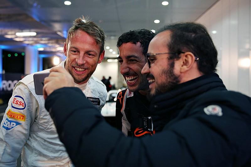 Jenson Button le juega una broma a Ricciardo